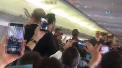 Antalya-Berlin uçağında opera sürprizi