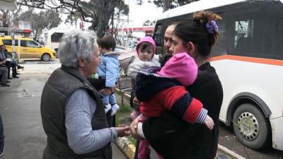 Çeyrek asırdır yoksullara 'anne'lik yapıyor - BALIKESİR