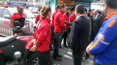kimlik karti -  Deprem Haftası'nda arama kurtarma ekipleri halkla buluştu