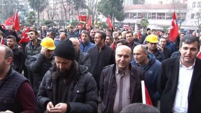 Madencilerden Mehmetçik'e arazili araç desteği