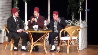 Sanatçı Zihni Göktay: 'Mehmetçiğe patates soğan soyarım, servis yaparım'