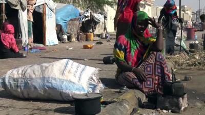 Yemen'de çatışmaların gölgesindeki kadınlar - SANA