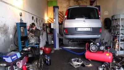 'Araba tamirciliği sadece erkek mesleği değilmiş' - BAKÜ
