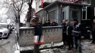 8 yerinden bıçaklanarak öldürülen şahsın cinayet zanlısı 4 kişi yakalandı