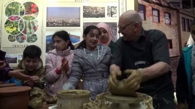 Çömleğin 64 yıllık ustası deneyimlerini müzede paylaşıyor - BİLECİK