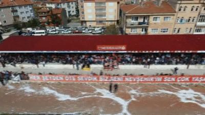 AK Parti, Nevşehirspor maçında çemen ekmek dağıttı