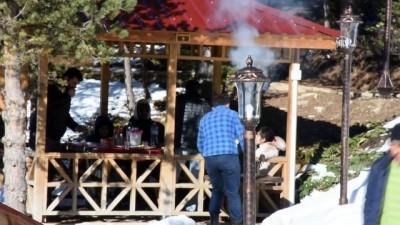 Limni Gölü Tabiat Parkı'nda kar keyfi - GÜMÜŞHANE