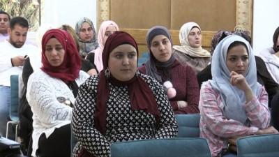 """isgal - Yazar Lekesiz Filistinlilere """"Türk edebiyatında öykü""""yü anlattı - RAMALLAH"""