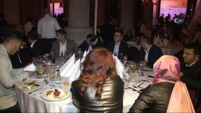 - Yeditepe Bienali'nin Galası gerçekleşti