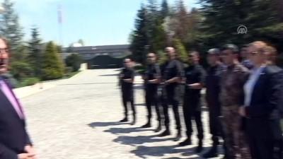 Dışişleri Bakanı Çavuşoğlu, bakanlıkta çalışan polislerle bir araya geldi - ANKARA
