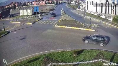 Trafik kazaları mobese kameralarına yansıdı - SAKARYA