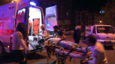 saglik ekibi -  Başkent'te trafik kazası: 4 yaralı