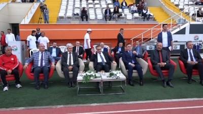 Mersin'de 7'den 70'e herkes spor yaptı