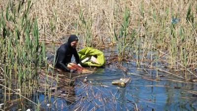 hassasiyet -  Sapanca Gölü'nden 300 torba çöp çıkarıldı