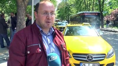 Son model lüks otomobili taksi yaptı