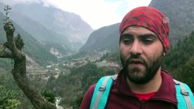 Filistinli sığınmacı, okulu kapanmasın diye 'tek ayağıyla' Everest'e tırmanıyor - NEPAL