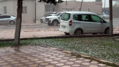 Mardin'e dolu yağdı