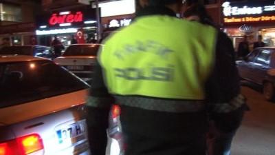 Trafik ekiplerinden kapsamlı uygulama...Abartı egzoz olmadığını iddia edip cezaları kabul etmediler