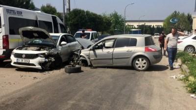 3 kişinin yaralandığı kaza güvenlik kamerasına böyle yansıdı