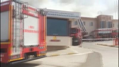 saglik ekibi - Bursa'da hastanede yangın (1)
