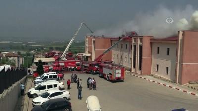 saglik ekibi - Bursa'da hastanede yangın (3)