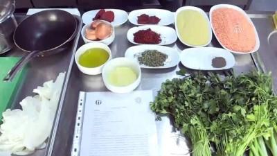 Litvanyalı aşçı Antep yemeklerini öğrendi - GAZİANTEP
