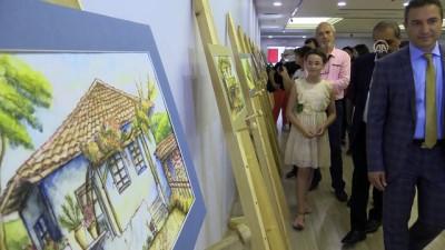 Antalyalı küçük ressam ilk kişisel sergisini açtı - ANTALYA