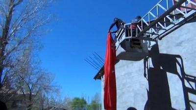 roketatarlar -  Şehit ateşi Erciş'e düştü