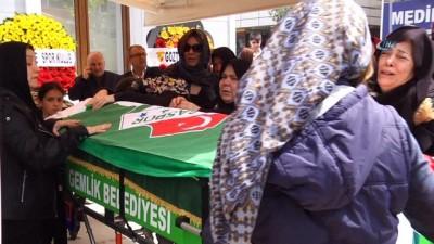 cenaze -  Cenazede taraftar kardeşliği...Maç dönüşü otobüsün çarpması sonucu hayatını kaybeden genç son yolculuğuna uğurlandı
