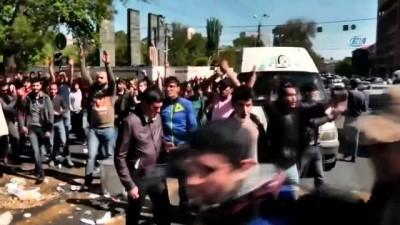 hukumet -  - Ermenistan'da: 80 kişi gözaltına alındı