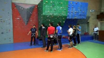 Antrenör olmak için tırmandılar