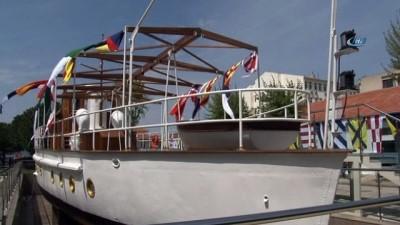 Atatürk'ün gezi teknesi olarak kullandığı 'M/G Acar' Deniz Müzesinde