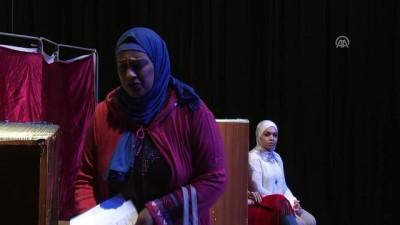 Gazzeli kadınlar engelleri aşarak tiyatro sahnesine çıkıyor - GAZZE