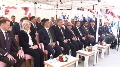 İki ülke bakanından Arnavutça dersi