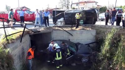 Kamyonet ile otomobil çarpıştı: 3 yaralı - MUĞLA
