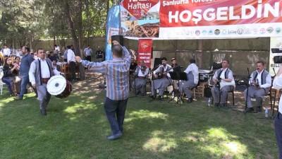 Şanlıurfa'da turistler için yöresel yemek şöleni - ŞANLIURFA