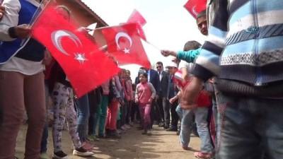 """Vali Ustaoğlu:""""Yol da olur, hizmet de olur ama devletsiz olunmaz'"""