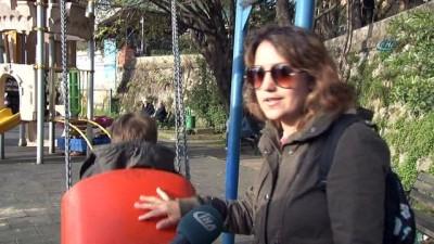 Zonguldak'ta çocuklar oyun parkında güvenle oynuyor
