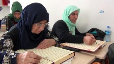 70'lik nineler okuma yazma ve Kur'an-ı Kerim öğreniyor