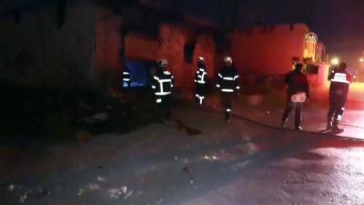 Adana'da hurda deposunda yangın - ADANA