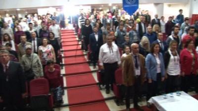 Anadolu Üniversitesi Açıköğretim Fakültesi'nde başarılı öğrenciler belgelendirildi