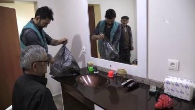 Huzurevi sakinlerinin 'gönüllü' berberi - BOLU