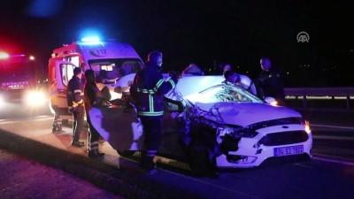 Otomobil kamyona çarptı : 1 ölü, 3 yaralı - BOLU