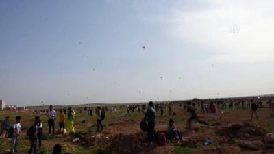 Suriye sınırında uçurtma şenliği - MARDİN