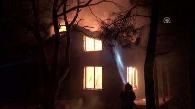 Ayvalık'ta bina yangını - BALIKESİR