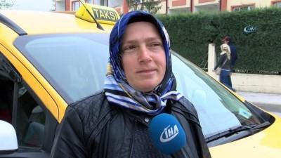 Sakarya'nın tek kadın taksi şoförü yollarda direksiyon sallıyor