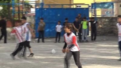 Diyarbakır'ın kız Messi'si