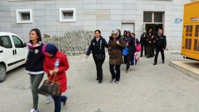 FETÖ şüphelisi 7 kadın adliyeye sevk edildi