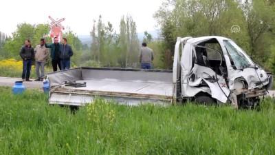 Hemzemin geçitte kaza: 1 yaralı - KÜTAHYA