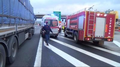 hastane -  Hurdaya dönen tırın sürücüsü kazadan sağ kurtuldu
